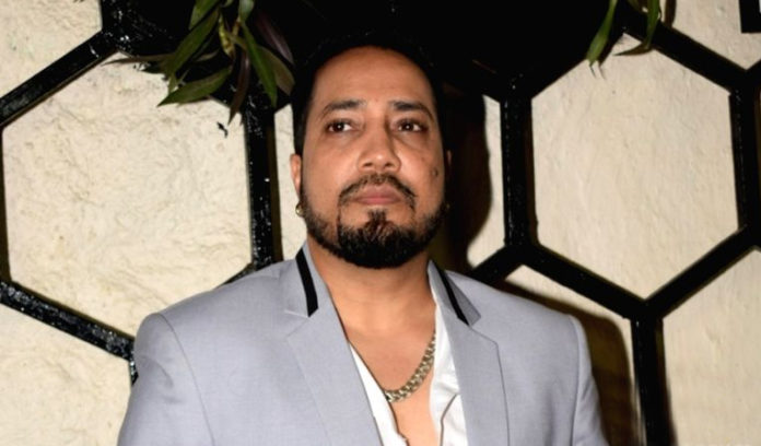 singer Mika Singh Home Ornaments And one lakh Cash Theft