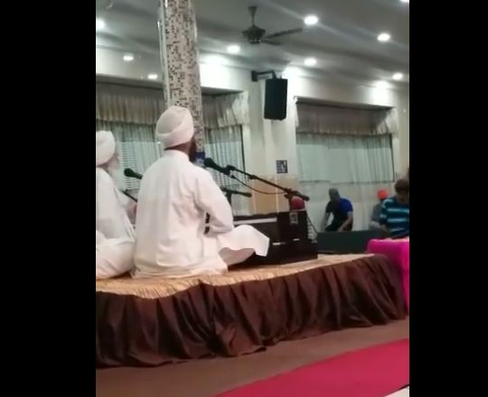 muslim man gurdwara namaz video viral