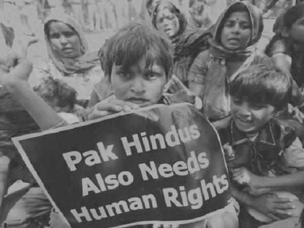 36 Hindu migrants from Pakistan receive Indian citizenship
