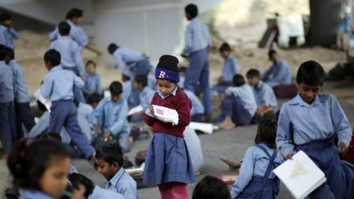 Temple school in Pakistan where Muslim woman teaches Hindu students