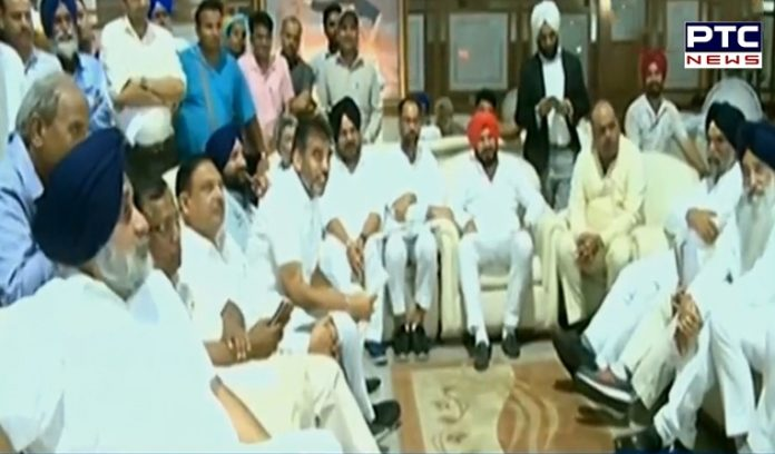 Punjab Vidhan Sabha: Akali legislators brought out their session outside the House