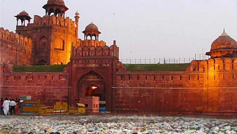 Plastic water bottles, trash grace Red Fort grounds after I-Day celebrations