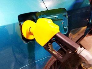 Delhi: Petrol at 79.99 per liter, diesel hits record high at 72.07 per liter
