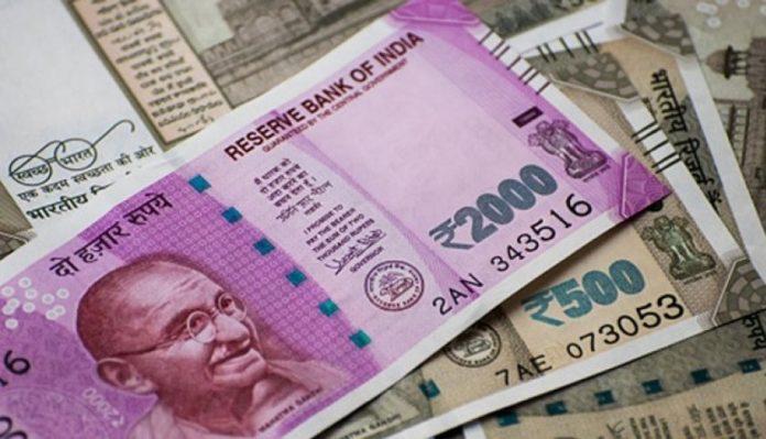 Sensex tumbles as Rupee hits a lifetime low of 72.67