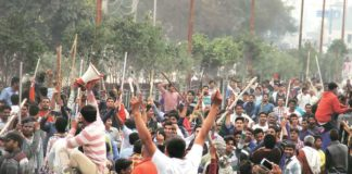 "Jats flay Haryana govt for ""misguiding"" court, threaten to re-start agitation"