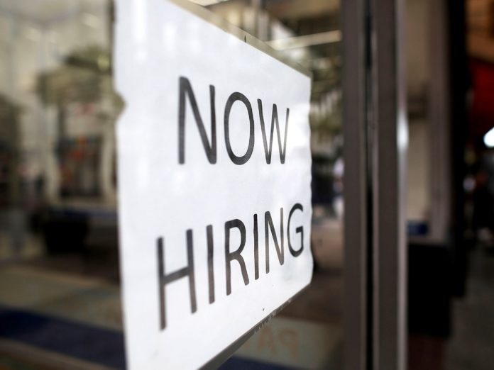 US: 201,000 jobs added in Aug, unemployment at 3.9%
