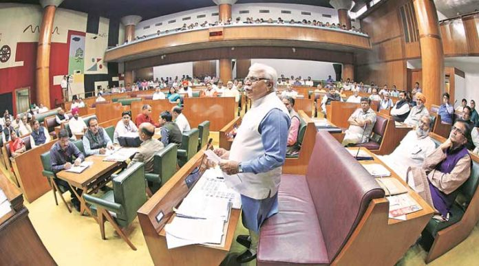 Haryana assembly pays tribute to Vajpayee, Kerala flood victims