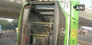 New Delhi: Bus overturns under Wazirabad flyover; several injured