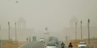 Smoggy morning in Delhi, light showers recorded: MeT