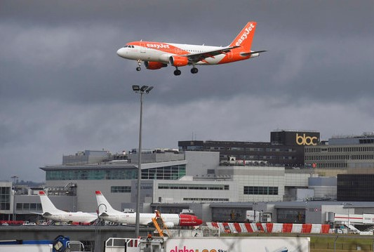 London's Gatwick Airport resumes flights after drone chaos