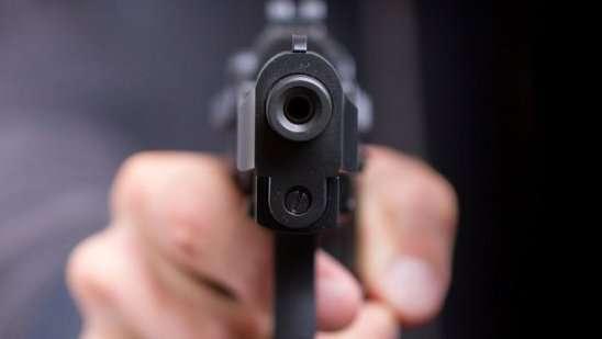 delhi gunpoint
