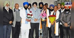 Chandigarh Mayor Rajesh Kalia Senior Deputy Mayor Hardeep Singh Butera SAD office reaching Welcome