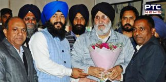Chandigarh Mayor Rajesh Kalia Senior Deputy Mayor Hardeep Singh Butera SAD office reaching Welcome