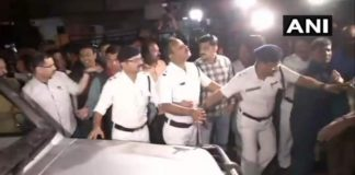 CBI team goes to question Kolkata Police chief, detained by cops