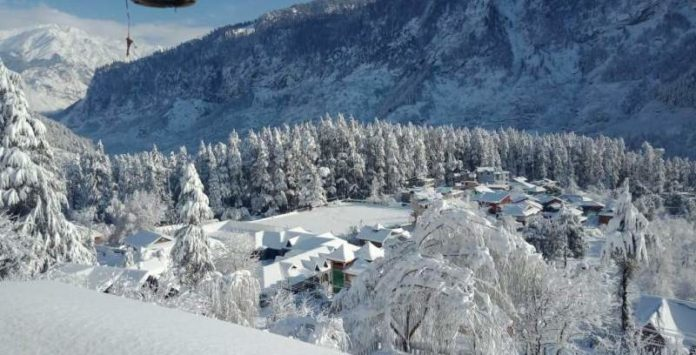 Dalhousie, Kufri, Manali get fresh snowfall; minimum temperature dips in HP
