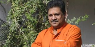 Former BJP leader and Cricketer Kirti Azad all set to join Congress