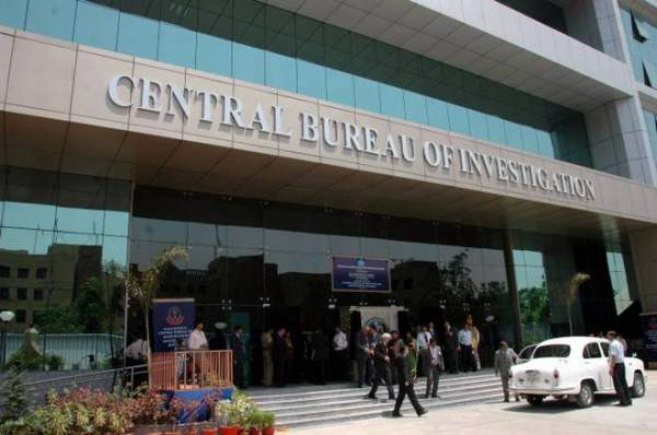 Govt curtails tenure of two senior IPS officers in CBI