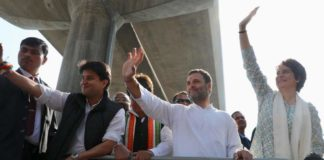 Priyanka's road show in UP; Rahul says time for Cong to win UP, form govt
