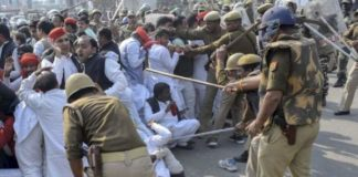 SP workers clash with police as govt clips Akhilesh Yadav's wings