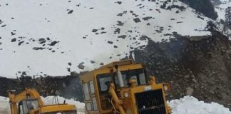 Three people missing after coming under avalanche in Anantnag