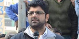 Apologise or face legal notice, Dushyant Chautala tells Abhay after his 'tickets sale charge'