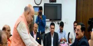 Shah files nomination for Gandhinagar seat