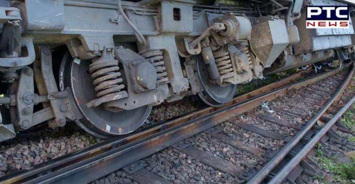Delhi-bound Poorva Express derails;