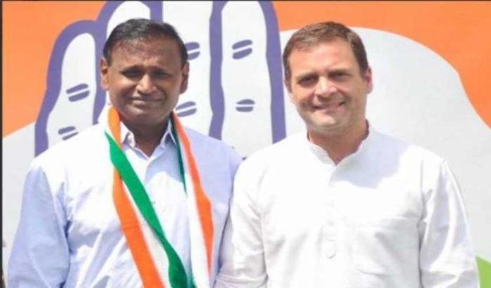 Disgruntled MP Udit Raj leaves BJP,joins Congress