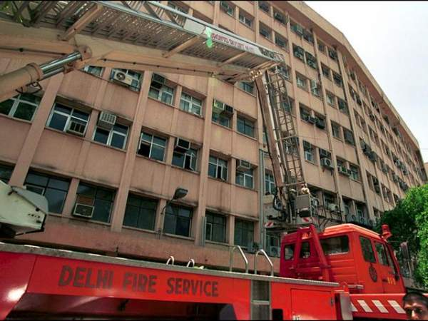 Fire breaks out on the sixth floor of Shastri Bhawan