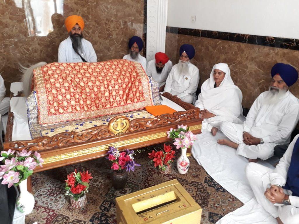 Sukhbir Badal and Harsimrat Badal pay obeisance at Sri Harmandir Sahib ahead of filing nomination papers