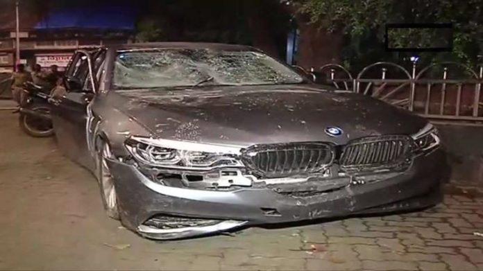 TV Artist hits seven vehicles
