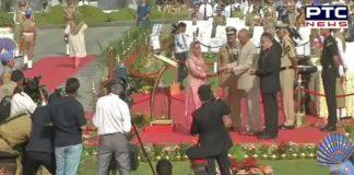 Ram Nath Kovind pays tributes