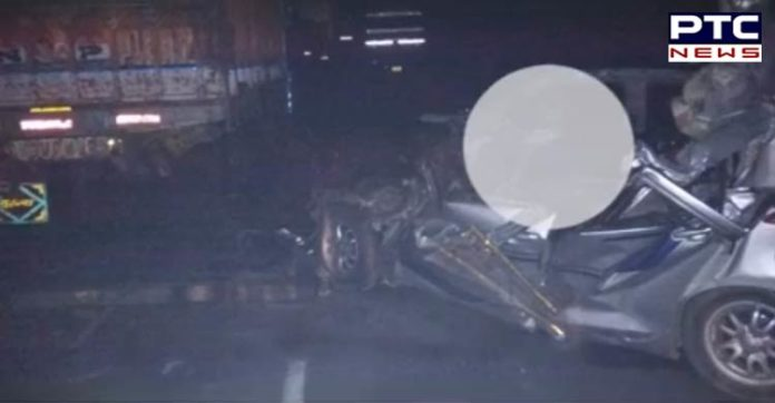 Five including brother of Groom killed in car-truck collision (1)