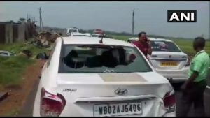 west-bengal-ghatal-bjp-candidate-vehicles-tmc-workers-attack