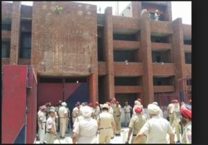 Gurdaspur Central Jail two groups Between Clash ,Two prisoners injured