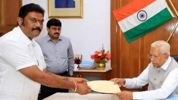 Karnataka Assembly: Congress legislator Anand Singh resigns