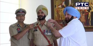 Punjab CM Captain Amarinder Singh awards Vir Chakra awardee Satpal Singh