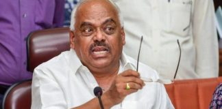 Day before trust vote, Karnataka Speaker disqualifies 14 rebel MLAs