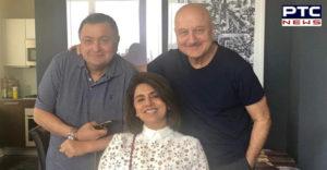 Rishi Kapoor perfect Aate Ka Phulkas at Anupam Kher apartment in New York