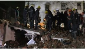 gujarat-3-storey-building-collapses-in-kheda-4-dead