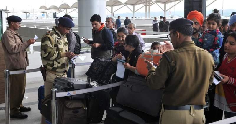 Tourists rush to Srinagar airport after terror threat warning