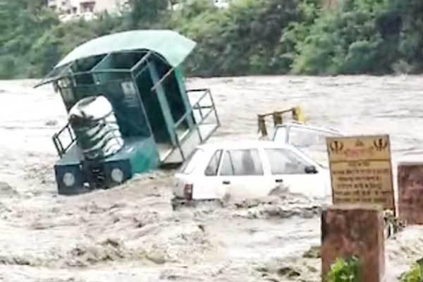 mandi-flood-3