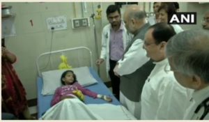 Amit Shah sweeps the floor in AIIMS as part of the party's 'Seva Saptah'campaign