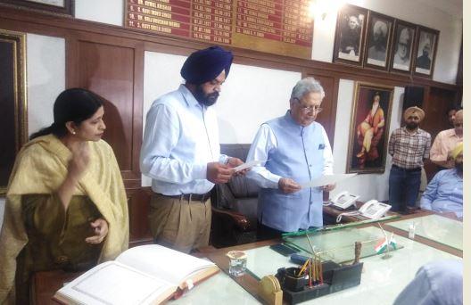 Manpreet Singh Ayali take oath as MLA Punjab Vidhan Sabha