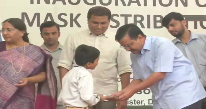 Delhi Pollution: CM Arvind Kejriwal distributes masks to school students