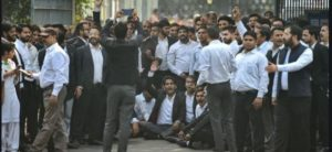 Tis Hazari clash case : Lawyers against Delhi Police protest