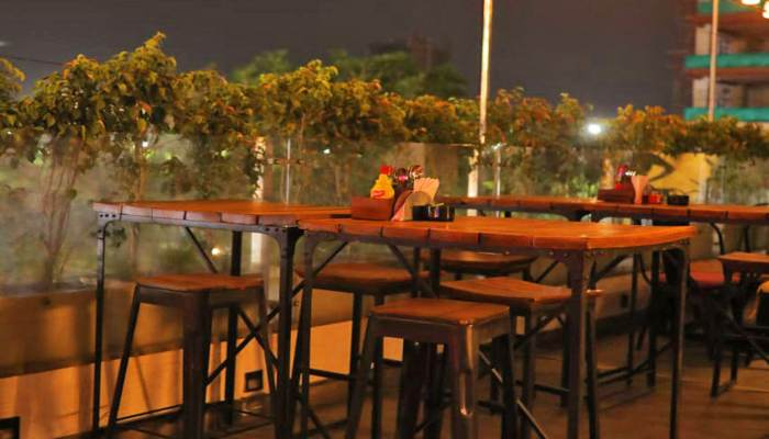 Rs 167 charged for 20 rupees water bottle in Gurugram's Restaurant