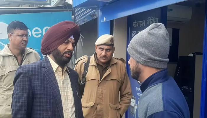 thieves took away ATM in Karnal of Haryana
