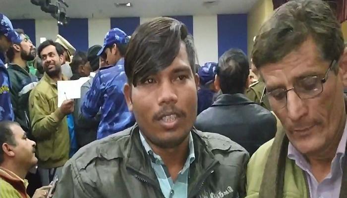 Deputy CM dushyant Chautala gives job to Divyang