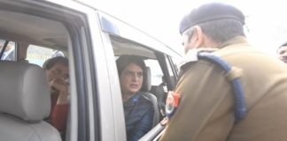 Rahul Gandhi, Priyanka Gandhi stopped by police on their way to meet kin of slain protesters in Meerut
